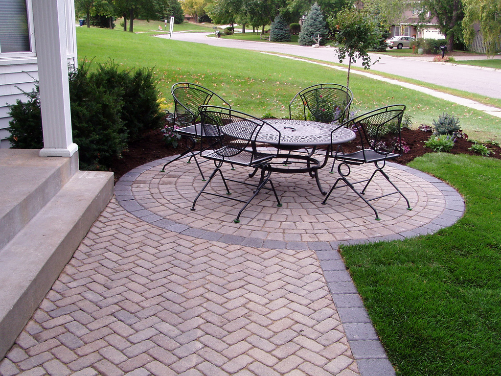 Superieur Installing Interlocking Pavers Vs. Stamped Concrete In Kansas City