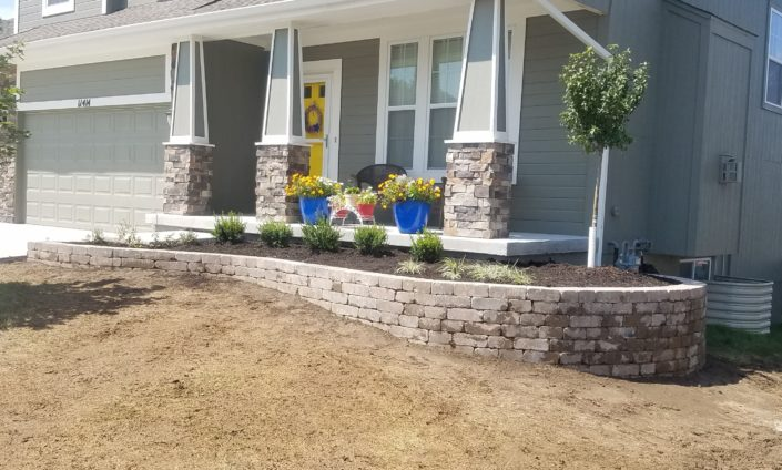 Front Of House Landscaping With Rocks